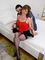 Horny housewife getting wet and wild - Granny Girdles