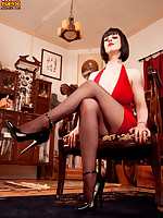 Leg Sex - Domme Dame - Larkin Love (34 Photos)