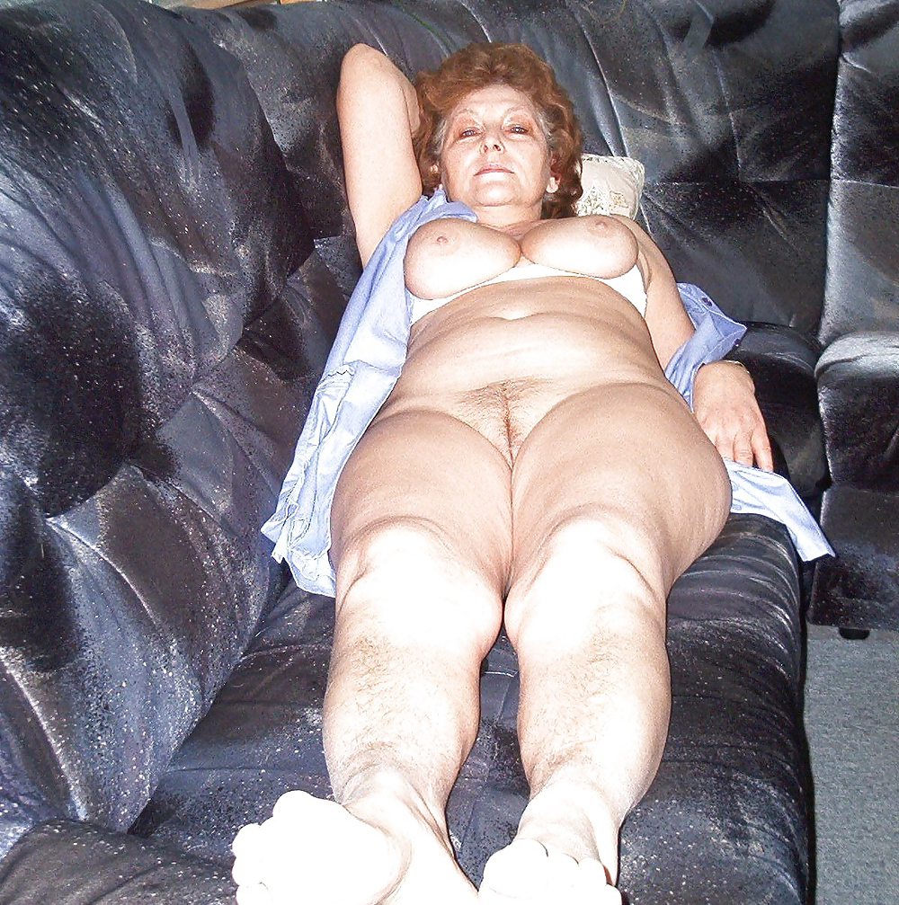 Hot granny in stockings rubs her hairy pussy 3